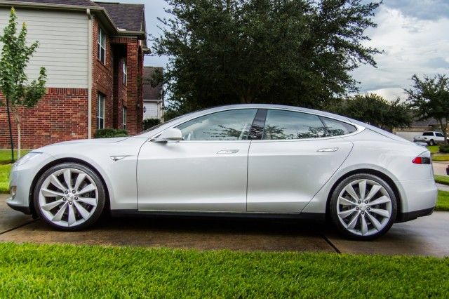 Review: Tesla Motors' all-electric Model S is fast—but is it a good car? | Ars Technica