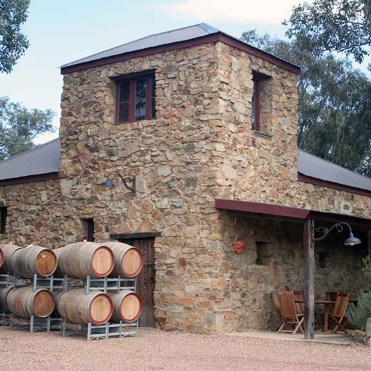 Panton Hill Winery - Located at Melbourne's most accessible end of the Yarra Valley