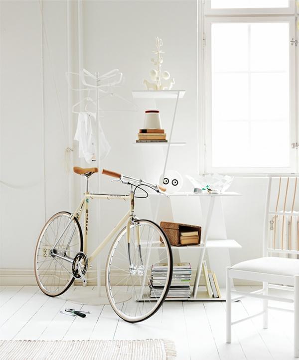 ++All White, Inspiration, White Spaces, Bikes, Vintage Bicycles, White Interiors, Photos Session, Shelves United, White Room