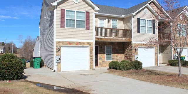 Winder's PREMIERE LUXURY LIVING COMMUNITY… Come and enjoy the convenience of Beautiful in-town living while being close to work, shopping, downtown Winder, and quick Highway access. Turtle Creek Villas continues to be in high demand... offering location and Convenience all while featuring exclusive amenities. This fantastic communities amenities include greenspace, sidewalks throughout, tennis courts, swimming pool, and clubhouse, all in a highly desirable neighborhood. Offering a limited…