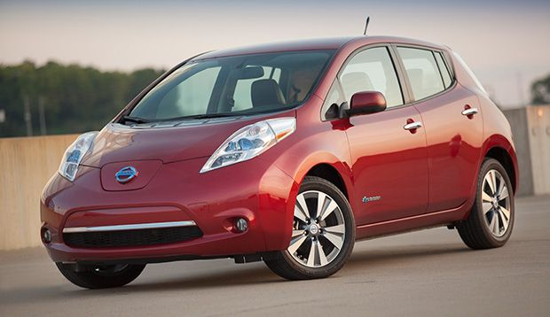 """Cars.com Names the Nissan LEAF as """"Eco-Friendly Car of the Year"""""""