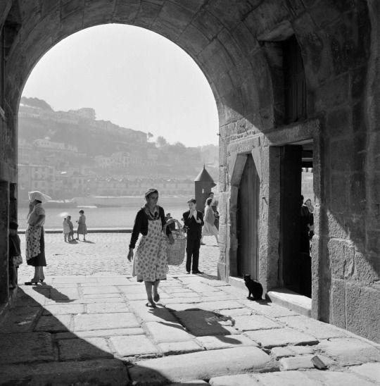 Artur Pastor - Série cidades. Porto, décadas de 50/60