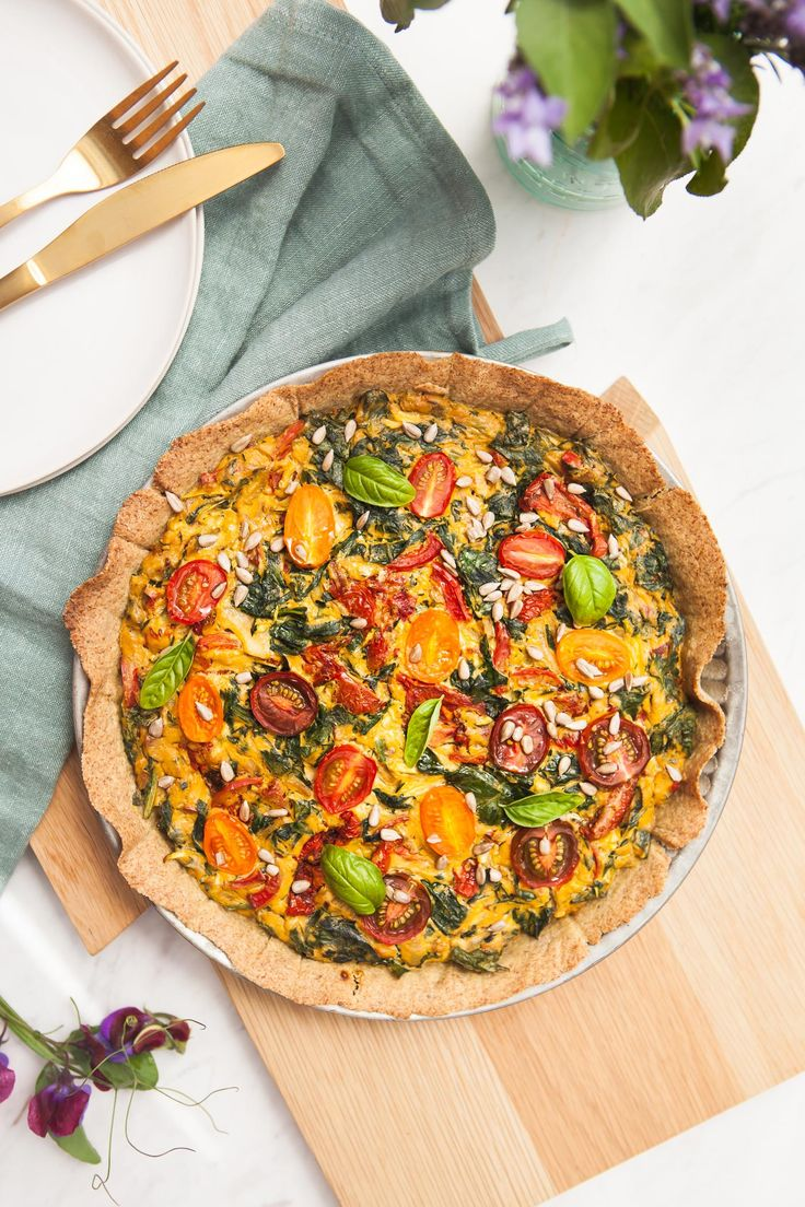 This Gluten Free Sun-Dried Tomato Spinach Quiche is the ultimate ...