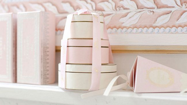 .Pastel, Gift Boxes, Hats Boxes, Wedding Boxes, Pale Pink, Blushes, Sweets Gift, Storage Ideas, Wraps