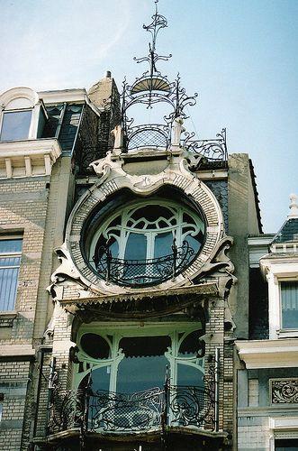 Maison Saint-Cyr – 11 square Ambiorix, Bruxelles – Architecte Gustave Strauven (1903)