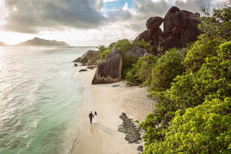 Wedding in Seychelles! Informations and more photos: http://www.photographer-seychelles.com