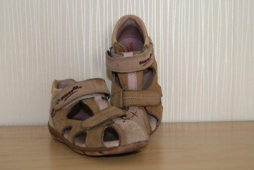 Superfit - Sandalen für Mädchen - Gr. 24 von Carola