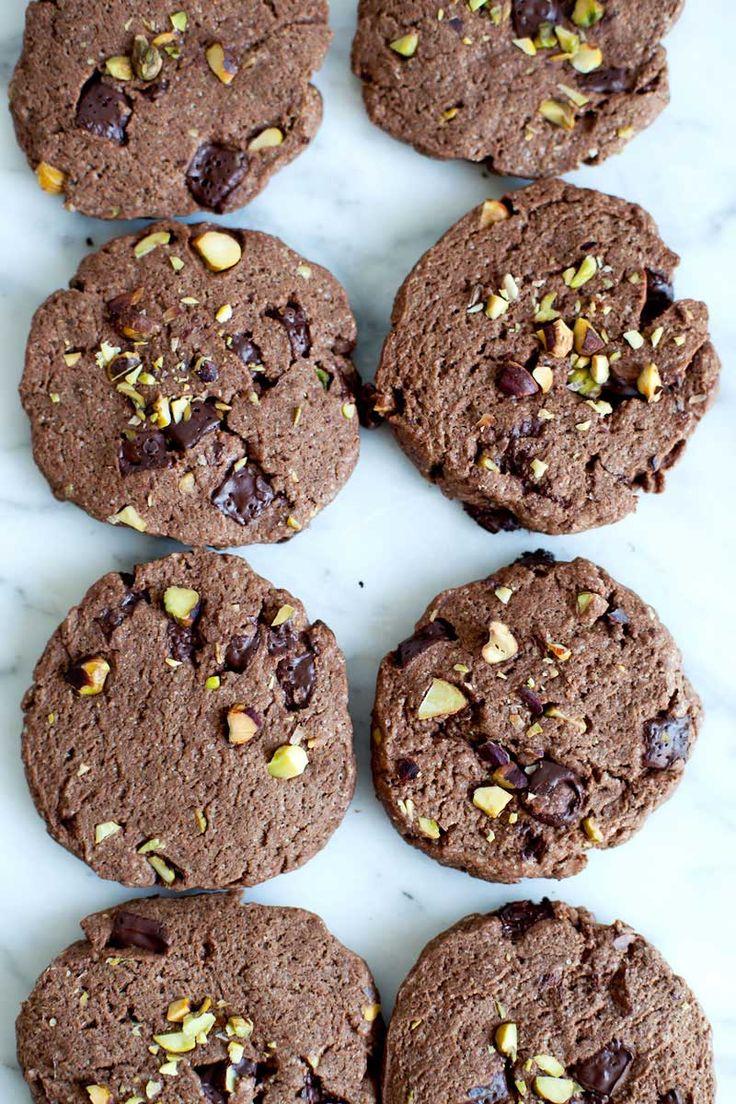 Biscuits tout chocolat aux pistaches- emiliemurmure.com