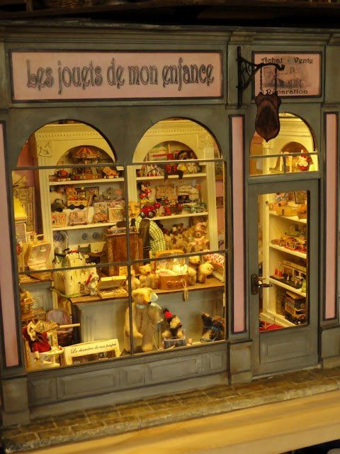 Fabulous toy shop view | Dollshouse Miniatures: Shops ...