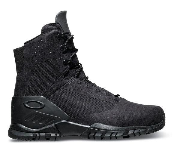 The Oakley SI 6 Boot is your 6 inch lightweight ticket to comfort. Built for PT and light use this boot will lighten your load. Made with and advanced synthetic