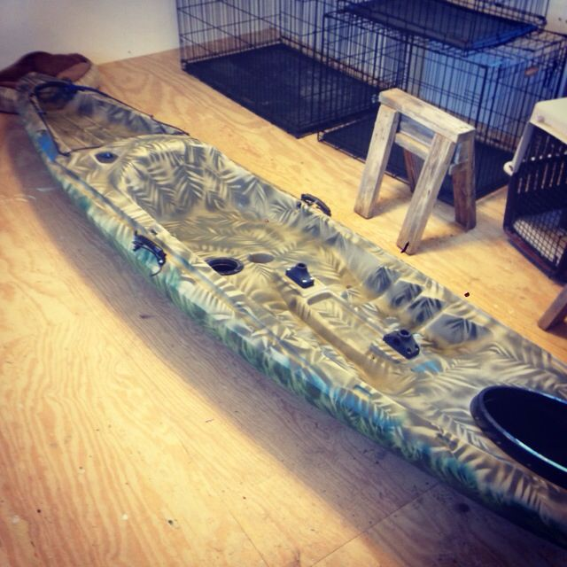 Homemade camo paint job on bass pro ascend fs12t kayak for Ascend fs12t fishing kayak
