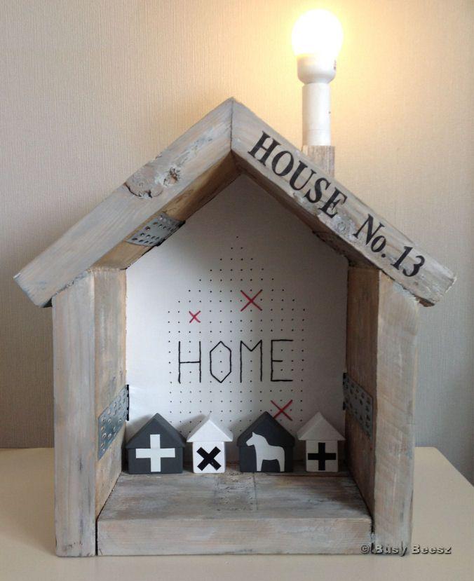 Lamp house scaffolding wood - lamp huisje steigerhout #house #lamp #scaffoldingwood