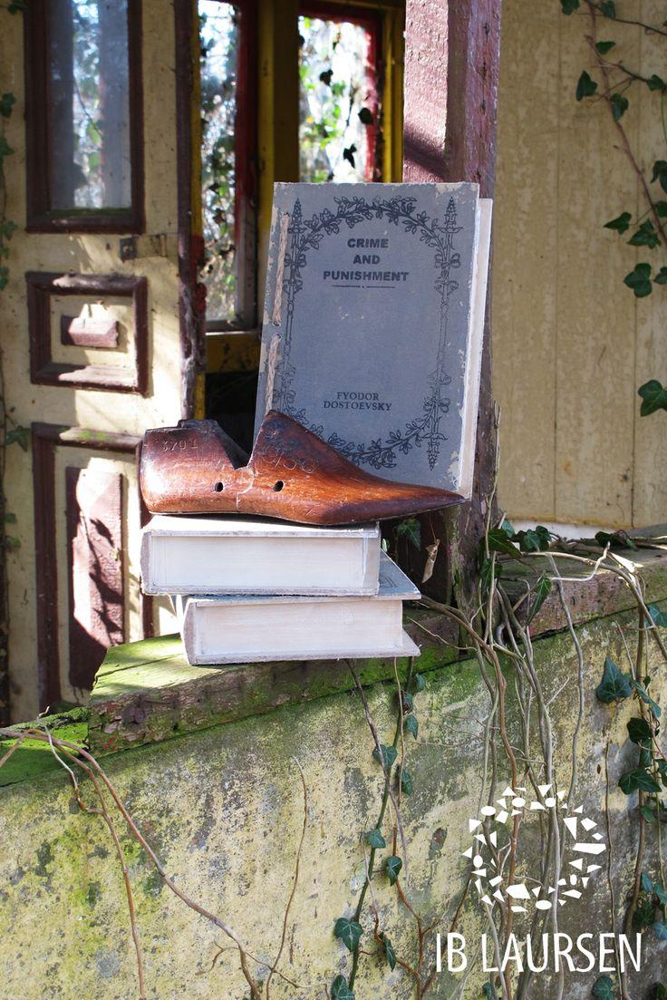 Old Unique grenadier and fake books, Ib Laursen 2014