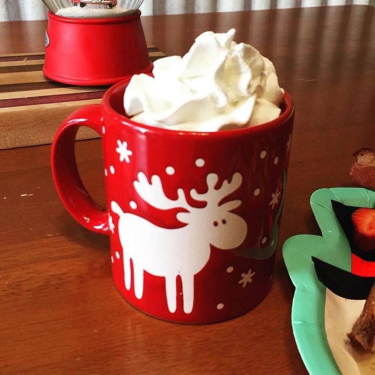One of my favorite Christmas mugs!  #hotcocoa #christmas #birthdaybreakfast