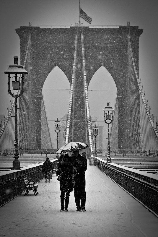 Walking to New York on the Brooklyn Bridge