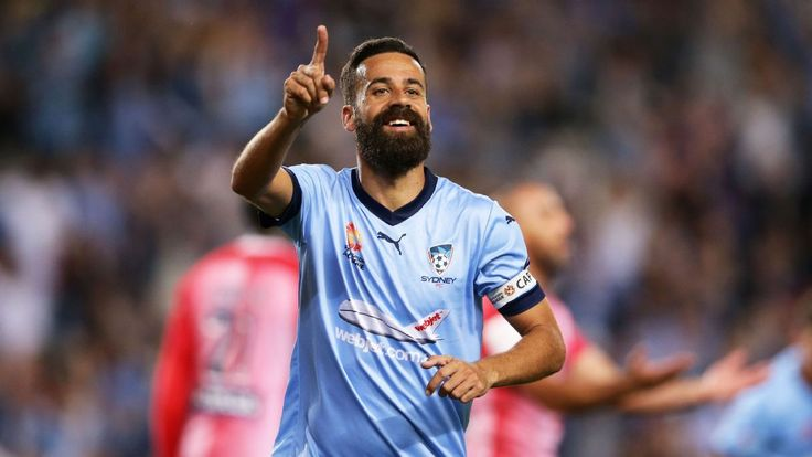 Alex Brosque signs one-year contract extension at Sydney FC