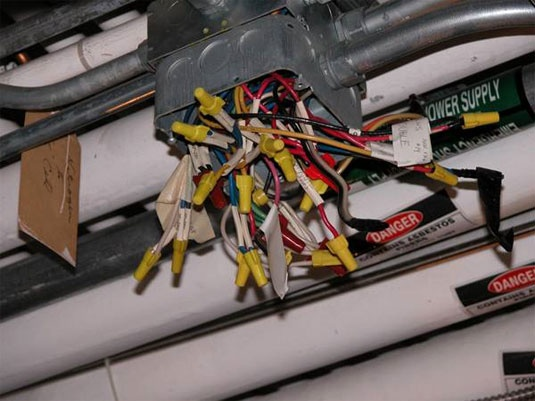 Electrical wiring fail - in no way can this be right.