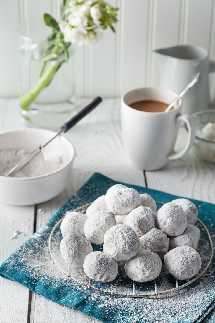 Icing Sugared Biscuit Balls