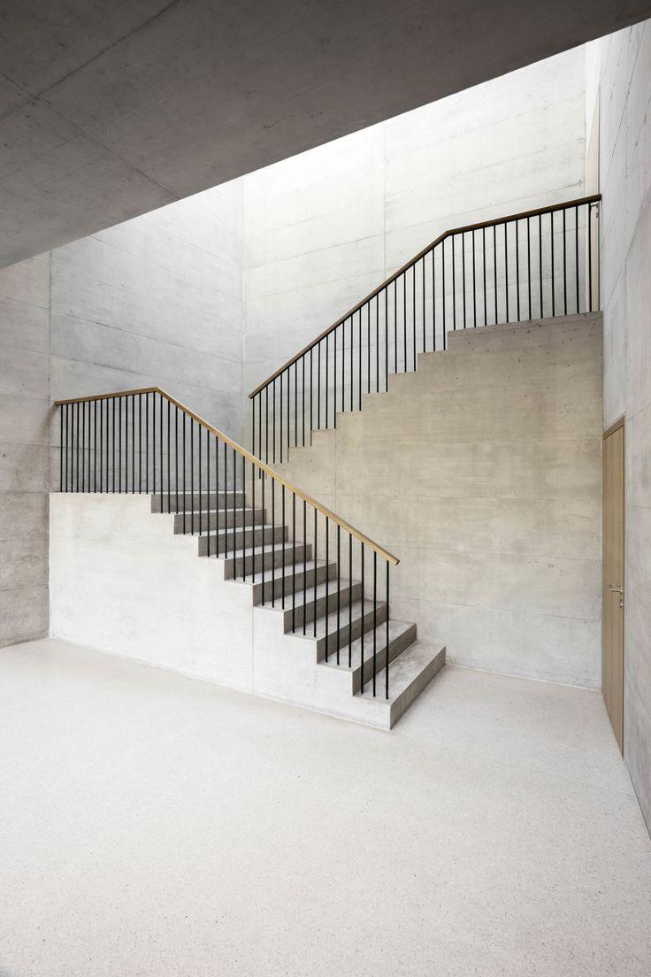 Mejores 80 im genes de escaleras en pinterest escaleras for Casa de diseno henry beltran