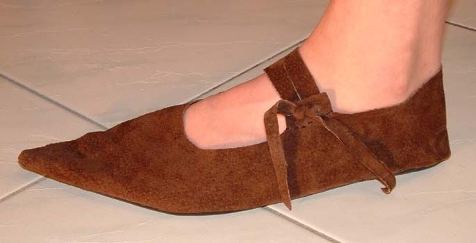 quick and easy latchet-shoes (pattern) - no website but i like the look