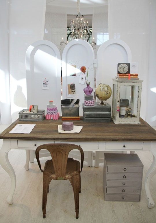 nice contrast of the dark wood top against this white desk // such a cute work space