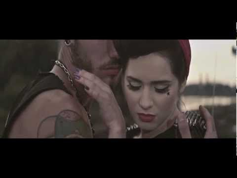 Ewelina Lisowska - Nieodporny Rozum (Official Music Video) - YouTube