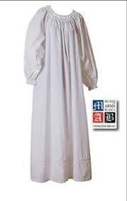 La ropa interior de la mujer consistía en un simple camisón, sin nada debajo.