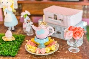 festinha-alice-no-pais-das-maravilhas-rosa-azul-decoracao-Pequenos-Luxos-19