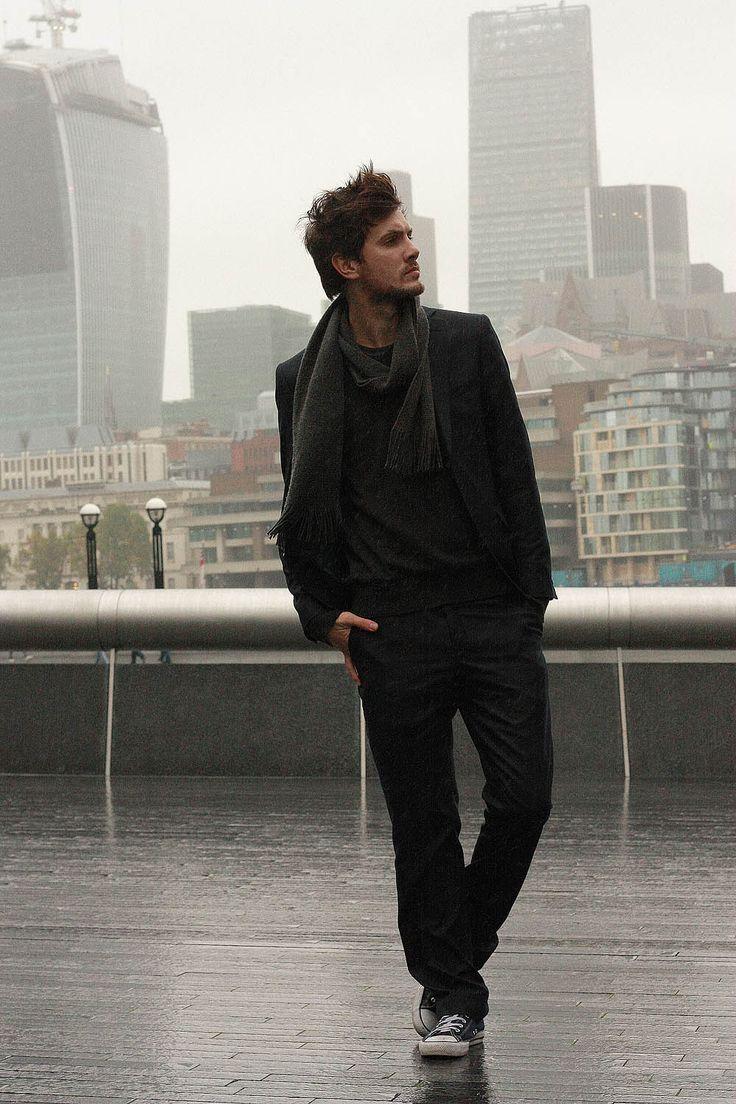 The-Fashion-Jumper-black-suit-London-8