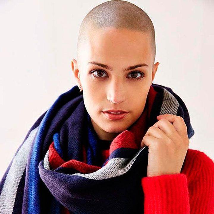 Дайне Кристисон три года назад поставили страшный диагноз — лимфогранулематоз, известный также как лимфома Ходжкина с нодулярным склерозом.  #рак  #модель  #здоровье  #дайнакристисон  #daynachristison