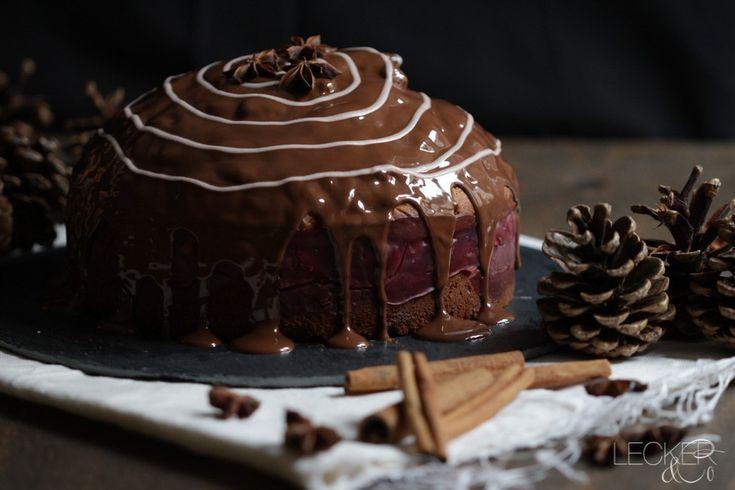 Lebkuchen-Kirsch-Torte mit Schokolade - LECKER&Co | Foodblog | Foodfotografie und Foodstyling in Nürnberg