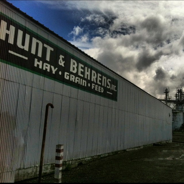 Hunt & Behrens, INC. Supplying farmers with hay, grain and feed since 1921.: Sonoma County, 1921, Grains, There Are, Hunt'S, Supplying Farmers, Feed