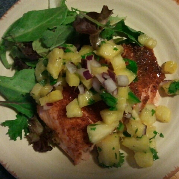 ░ THE DINNER TABLE ░ ⓙ dinner: bbq spiced salmon with pineapple jalapeño salsa over mixed greens (7:45 p.m.): Food Recipes, Bbq Spices, Dinners Tables, Pineapple Salsa, Mixed Green, Cooker Mccookerson, Jalapeño Salsa, Pineapple Jalapeño, August 2012