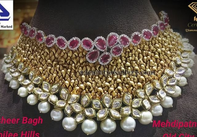 Luxurious Antique Choker with Diamonds - Jewellery Designs