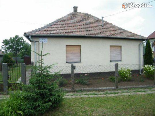 Egyedi ajánlateladó családi-ház ingatlan-rész1M adsz1,5M-t Ér
