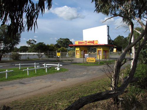 Dromana Drive-in (2009). The second screen, which came from the Hoyts Altona drive-in, was added in the early 1990s and a third screen was added in 2002