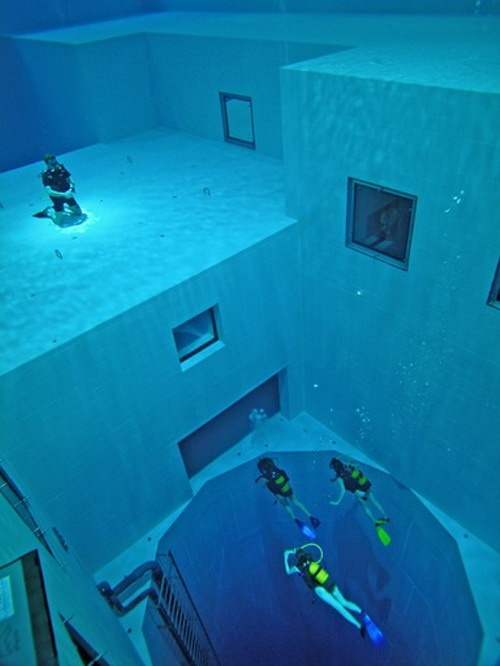World S Deepest Swimming Diving Pool Declubz The Weird And Bizarre Blog Water Is Life