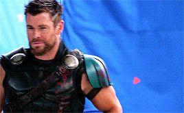 Chris Hemsworth-LOL