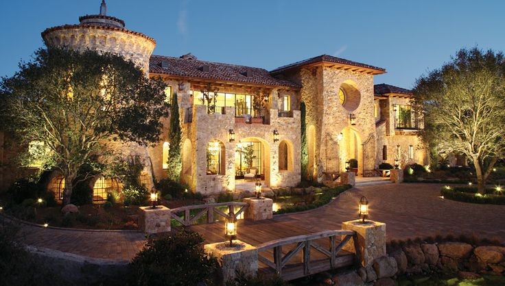 Now this is Greatness!! Winner of Robb Reports 2013 Ultimate home Of The Year.  Fabulous Italian home built in Thousand Oaks California.   I'll take it!!