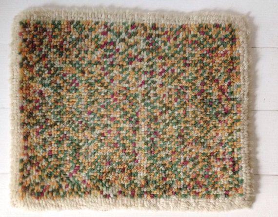 Vintage latch hook rug beautiful small handmade wool by VelvetEra