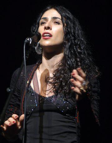 Marisa Monte volta ao Rio para gravação de show ao vivo - http://colunas.revistaepoca.globo.com/brunoastuto/2013/05/06/marisa-monte-volta-ao-rio-para-gravacao-de-show-ao-vivo/
