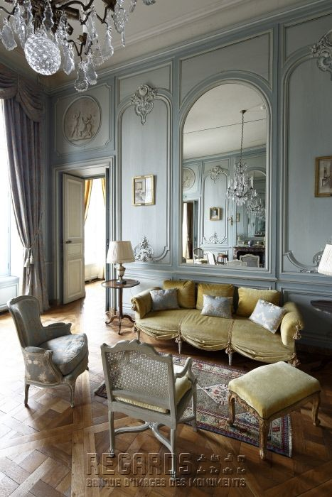 Château de La Motte-Tilly, salon bleu - mid 18th Century. [source: www.Regards.Monuments-Nationaux.fr; Portfolio Collection of Regional Monuments]
