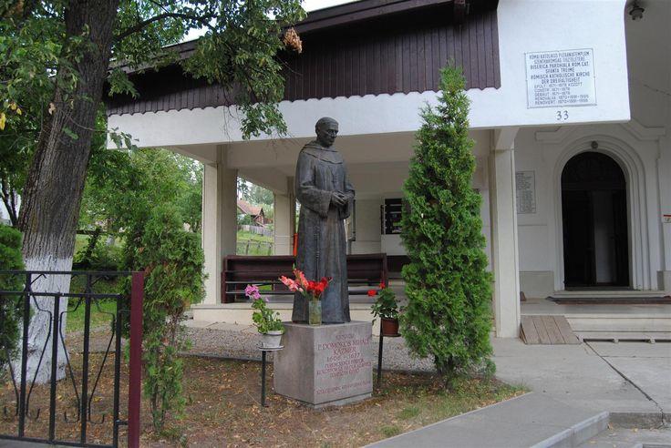 Katolikus kápolna és udvara