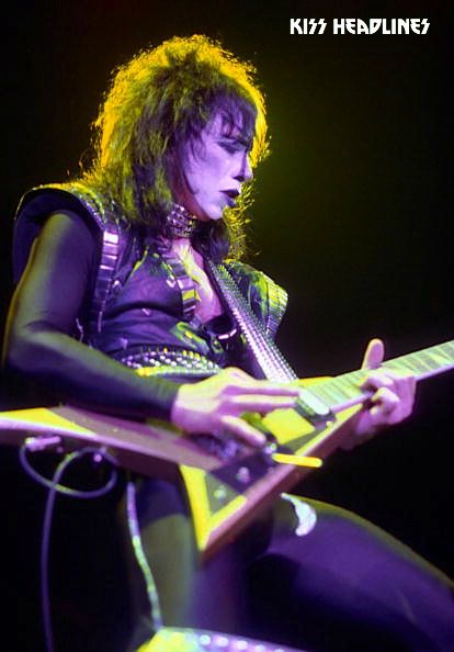 Vinnie Vincent Originally The Lead Guitarist For Kiss