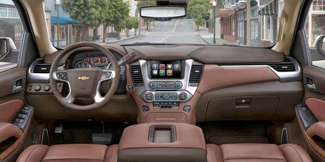 2017 Chevrolet Avalanche interior, steering wheel, dashboard