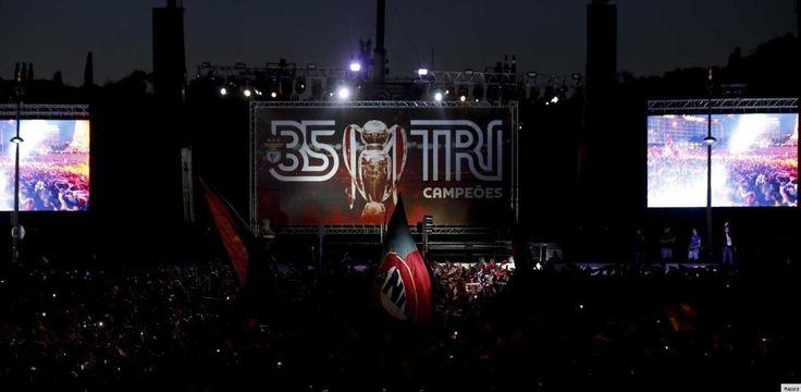 Benfica campeão: Plantel celebra junto dos adeptos