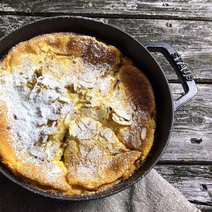 Duftender Quark-Auflauf mit Äpfeln und knusprigen Mandeln, supereinfach und schnell gemacht - ein echtes Soulfood für den tristen Herbst.