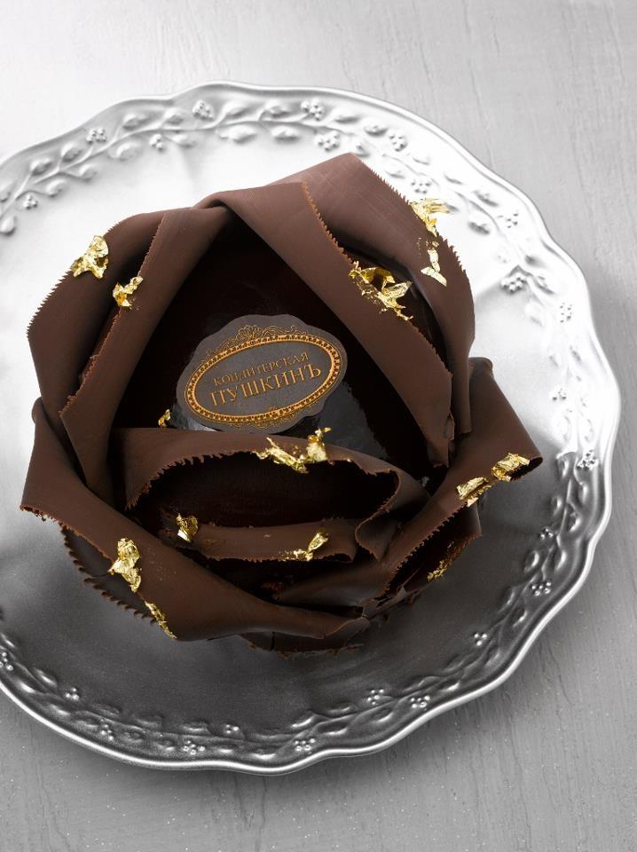"Pâtisserie Café Pouchkine, Paris. ""Rose du Tsar, a delicate rose-shaped petit gateau composed of chocolate brownie, blackberry jasmine tea jelly, and Black Gold chocolate mousse."" Description from http://www.sugarednspiced.com/paris-cafe-pouchkine/"