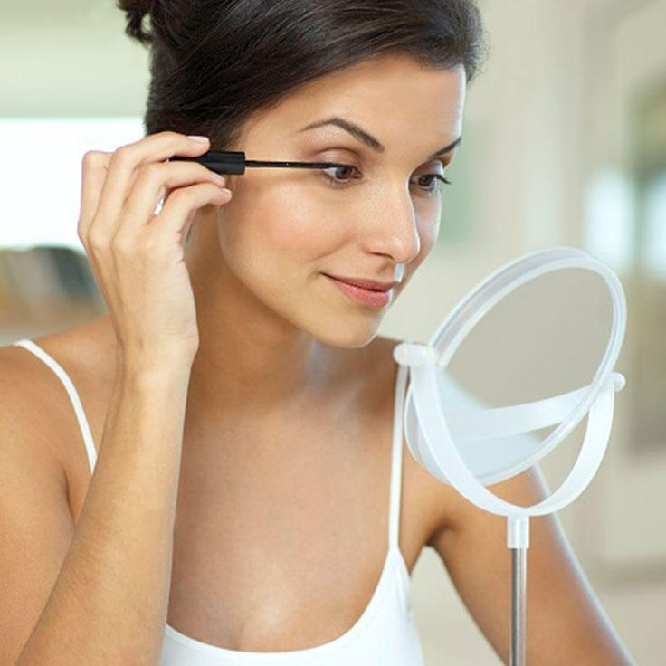 7 Essential Eye-Makeup Tips For Women Over 40