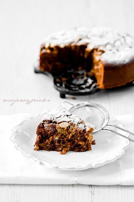 Ciasto z gruszkami, migdałami i tahini